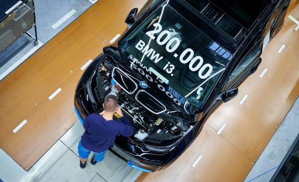 Primul de acest fel şi vector de inovaţie pentru mobilitatea durabilă: 200.000 BMW i3 produse până acum