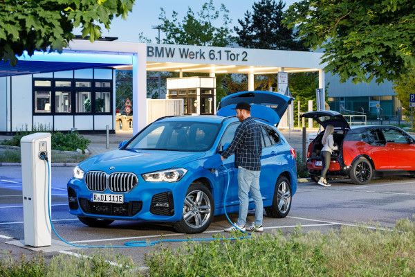 BMW X1 xDrive25e in front of the BMW Group Plant Regensburg