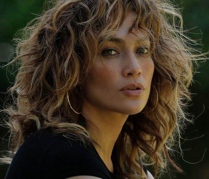 """Jennifer Lopez va primi premiul """" The People's Icon of 2020"""" din cadrul premiilor E! People's Choice Awards pe 15 noiembrie"""