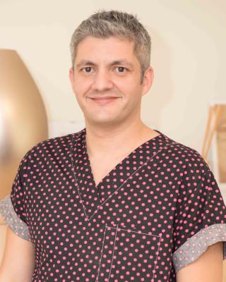 Dr. Adrian Mina, medic stomatolog