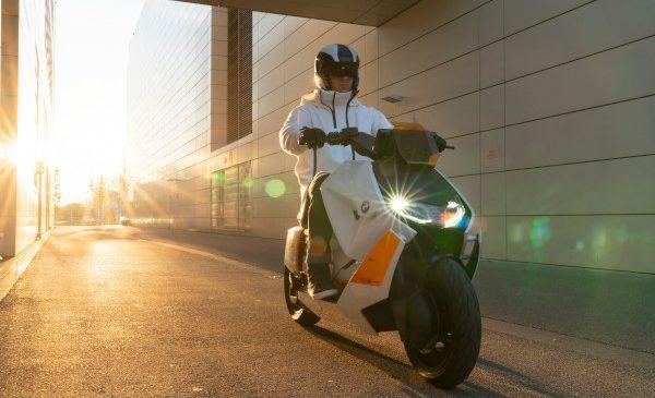 BMW Motorrad Definition CE 04. Noul stil al mobilității urbane pe două roți