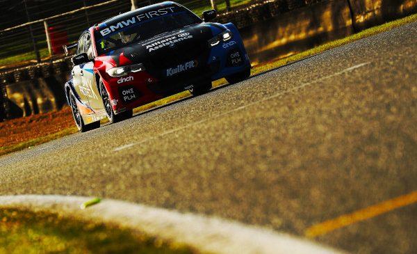 BMW câștigă titlul constructorilor cu Seria 3 în Campionatul Britanic de Turisme