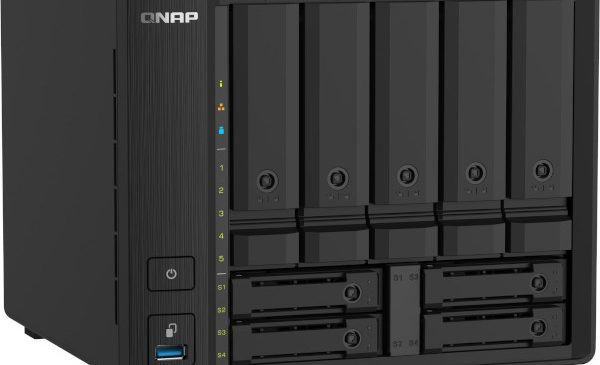 NAS-ul QNAP TS-932PX cu procesor quad-core oferă 2 porturi SFP+ 10GbE și 2,5GbE pentru transferuri de mare viteză în rețea