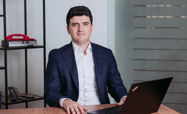 SMSO estimează un flux crescut de SMS-uri pentru finalul acestui an și anunță pachete speciale pentru comercianții din România