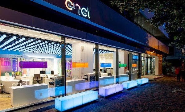 Enel inițiază un proiect pilot de acces în magazinele sale pe bază de programare telefonică