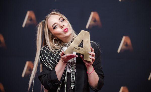 The Artist Awards și-a prezentat câștigătorii și a adus pe aceeași scenă unii dintre cei mai iubiți artiști, aseară, la PRO TV