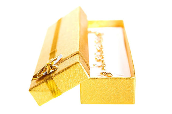 avantaje si dezavantaje bijuterii aur cadou
