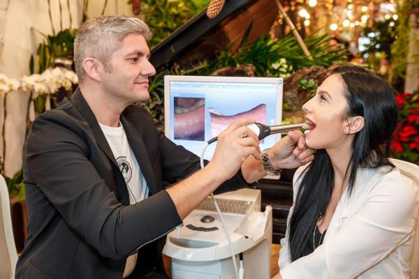 Adrian Mina, stomatolog