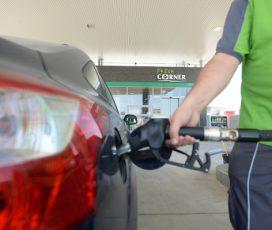 Sondaj MOL: Șoferii folosesc mașina la fel de des iarna precum în restul anului. Ei alocă maximum 4 ore și sub 500 de lei pentru pregătirea autoturismului