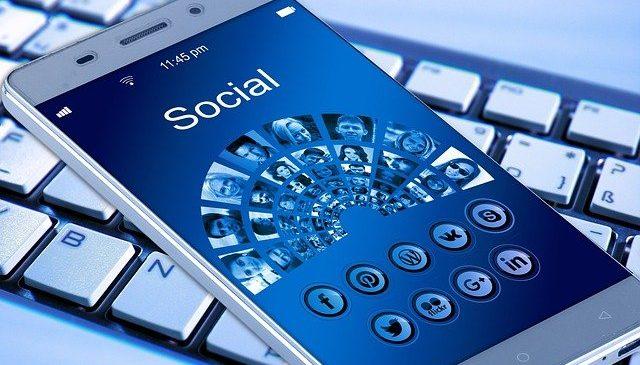 Loializează-ți clienții printr-o aplicație dedicată de smartphone