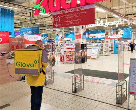 Glovo și Auchan extind parteneriatul și introduc în aplicație preparate gătite din zona gastro a hipermarketurilor