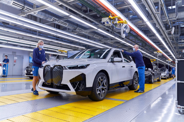 BMW iX - Production at Plant Dingolfing