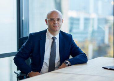 """Mazars lansează ediția din 2021 a raportului """"Practici bancare responsabile – studiu de comparabilitate"""", care constată progrese semnificative în ceea ce privește finanțarea sustenabilă la nivel global"""