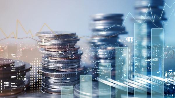 Relația noastră cu banii s-a schimbat și este timpul să adoptăm Inteligența Artificială pentru a gestiona finanțele