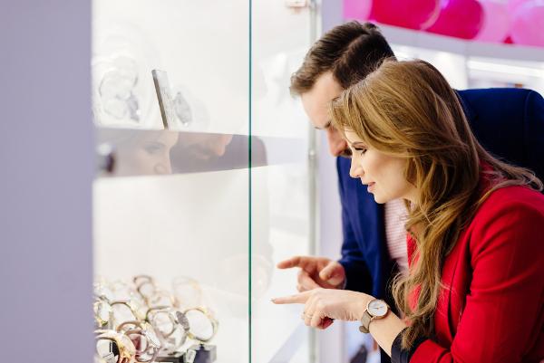 6 criterii de care să ții cont atunci când cumperi un ceas