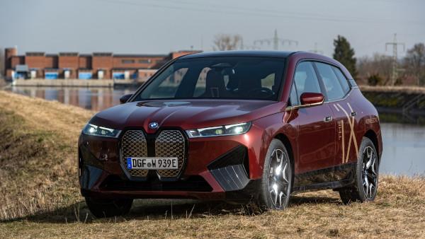 Alimentat de apă: BMW Group construieşte automobile electrice cu energie electrică verde produsă regional