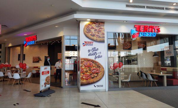 Jerry's Pizza își dezvoltă serviciile în zona de sud-vest a Bucureștiului și investește peste 150.000 de euro în relocarea unei unități existente în incinta Liberty Mall