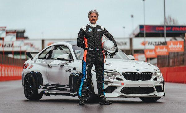 BMW M2 CS Racing Cup Benelux poartă designul creat de caricaturistul şi vedeta TV Jeroom