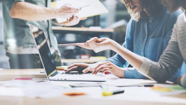 Studiu: Companiile care nu analizează suficient activitatea concurenței pot pierde oportunități de până la 25% din cifra de afaceri