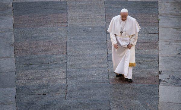 """Premiera documentarului despre Papa Francisc, """"Francesco"""", este difuzată de Discovery Channel luni, 5 aprilie, la ora 22:00"""