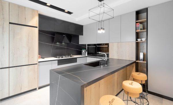 Noile tendințe în amenajarea bucătăriilor noilor locuințe, prezentate de designerul de interior Sergiu Călifar