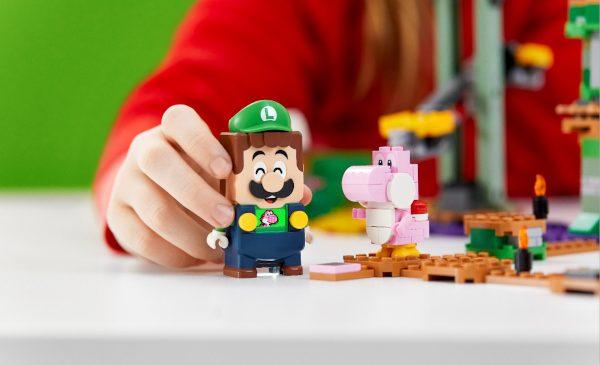 Grupul LEGO îi aduce împreună pe Mario și Luigi în noul set LEGO® Super Mario™ – Aventurile lui Luigi