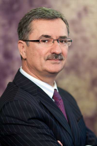 Eugen Voicu, Meta Estate