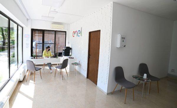 Enel deschide noi magazine în Târgoviște și în Miercurea Ciuc, pentru a fi mai aproape de clienți