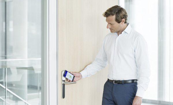 ASSA ABLOY – Creștere cu 10% a cererii de sisteme de control acces touchless în contextul pandemiei