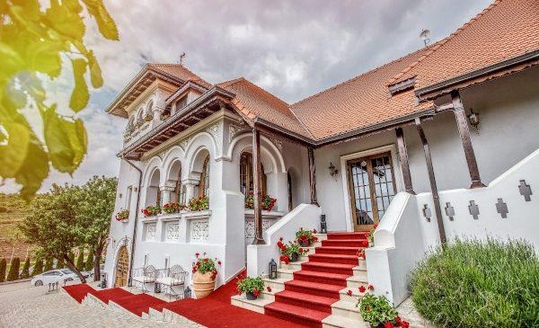 Ia românească, sărbătorită în toată lumea pe 24 iunie