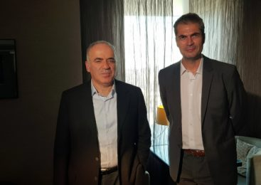 """Lupt împotriva dictatorului rus"" – Gari Kasparov, la ""Breaking Fake News"""