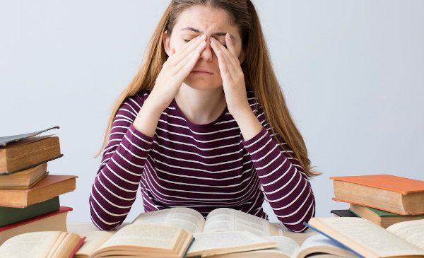 """Psiholog Școala de Valori, sfaturi pentru elevii care se pregătesc să susțină examenele naționale: """"Gestionarea emoțiilor, în perioadele stresante, e cheia succesului. Nu vă neglijați pe voi și activitățile care vă încarcă. Relaxați-vă, apoi reveniți la învățat"""""""