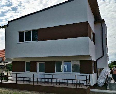 Holcim România și Hope and Homes for Children au finalizat, la Sibiu, construcția celei de-a 115-a case de tip familial, unde vor locui tineri fără familii