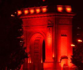 Facem Revoluția Incluziunii! Clădiri emblematice din București și din țară au fost iluminate în roșu în semn de incluziune pentru persoanele cu dizabilități intelectuale