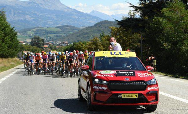 ŠKODA AUTO este de 18 ani partenerul oficial principal al Tour de France