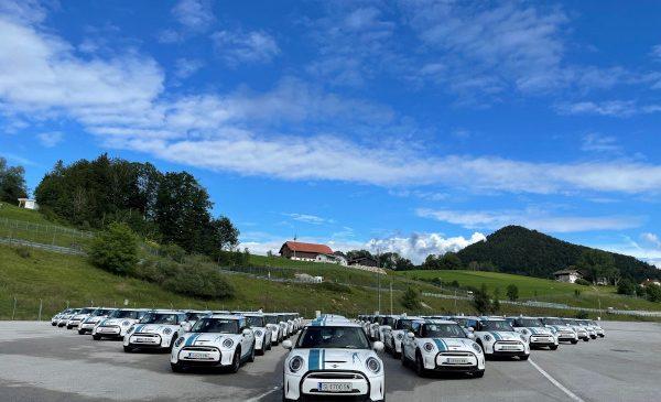 MINI Electric ca automobil de companie: Biogena preia cea mai mare flotă MINI Cooper SE