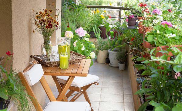 Cum îți transformi balconul într-o oază de relaxare