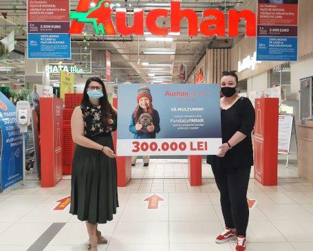 Auchan: Donație totală de 300.000 de lei către Fundația FARA, în urma vânzării a peste 43.000 de castori de pluș Titi