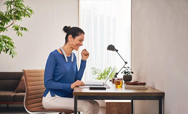Cel mai bun partener pentru lucrul de acasă – Sony lansează boxa wireless SRS-NB10 cu fixare după gât