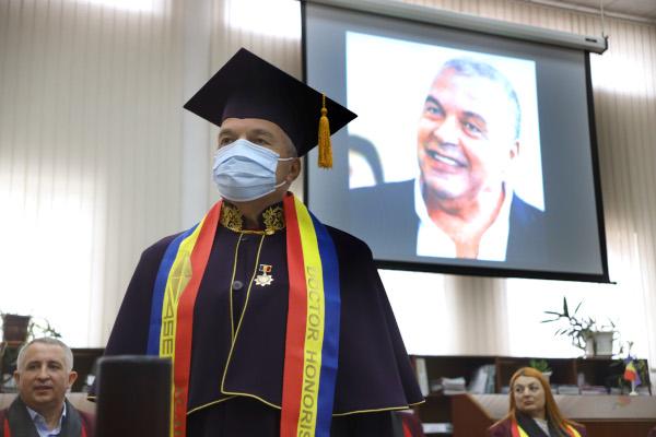 Ceremonie acordare titlu doctor honoris causa