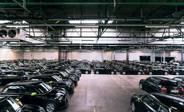 Cea mai mare flotă MINI Cooper SE din Europa: unul din patru angajaţi Deloitte din Belgia alege un MINI Electric