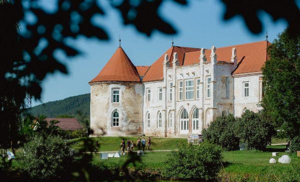 Lidl România investește 150.000 de lei în renovarea castelului Bánffy din Bonțida