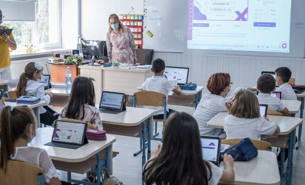 Peste 15.000 de copii au învățat în timpul verii pe platforma de educaţie remedială NaradiX! Proiectul Narada continuă în anul școlar următor și va include conținut pentru materii noi de gimnaziu