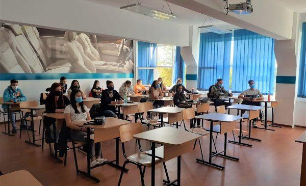 ADIENT TRIM Ploiești a urat bun venit în noul an școlar celor 26 de elevi înscriși în programul de învățământ dual