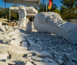 Vernisajul celei de-a treia ediții a Taberei Internaționale de Sculptură în Piatră Măciuca, pe 25 septembrie