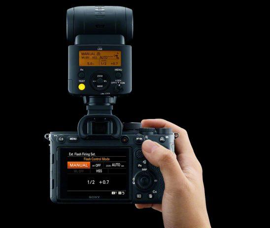 Noua cameră Sony Alpha 7 IV redefinește standardele, cu un senzor de imagine full-frame de 33 megapixeli și operabilitate extraordinară foto-video