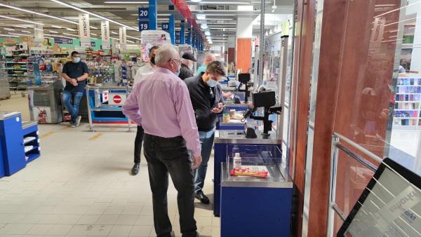 Remarkt a introdus în hypermarketurile din Oradea și Arad primele 12 sisteme self-checkout produse de compania Magister în România